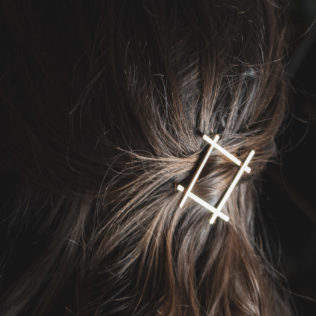 Attache cheveux Carré doré