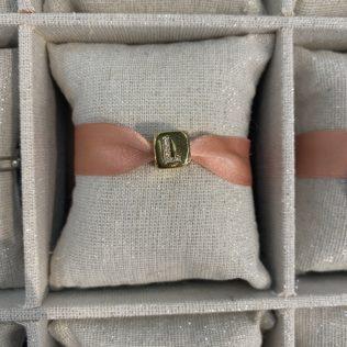 Bracelet Lettre Cube – Ruban Rose
