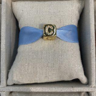 Bracelet Lettre Cube – Ruban Bleu