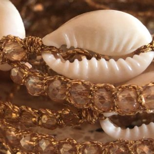 Bracelet Uluwa – Cristal Corail Cauri