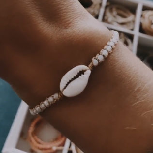 Bracelet Uluwa – Cristal Blanc Cauri