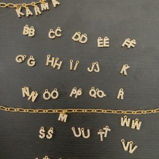 Lettre pour collier à personnaliser
