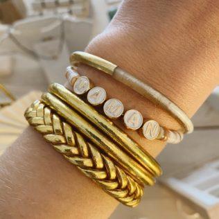 Bracelet Jonc LOVE ou MAMAN Perles d'eau douce – Capsule Fête des Mères
